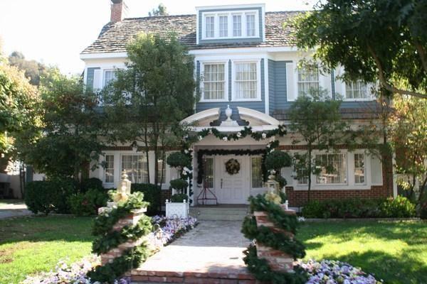 life on wisteria lane review guerlain les elixirs. Black Bedroom Furniture Sets. Home Design Ideas