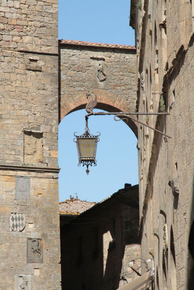 Volterra Dragon lamp1