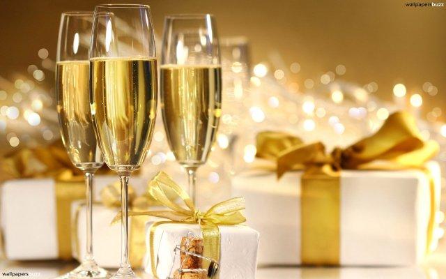 b_three-glasses-of-champagne