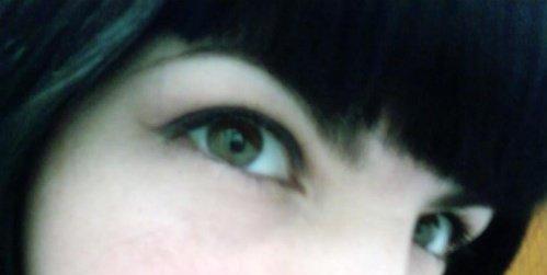 eyeliner carrie