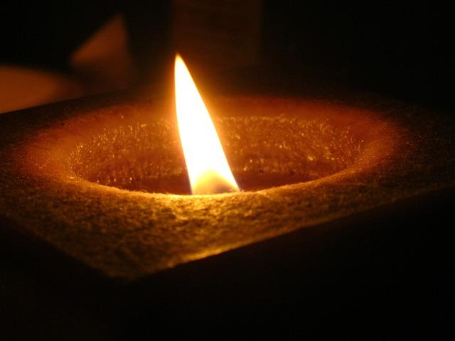 candlelight-201626_640