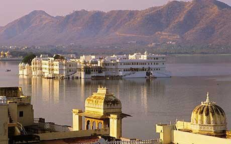 udaipur-lakepal_1698990c