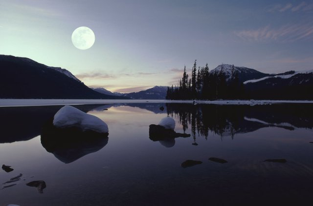 Moonlight Lake by Graphitation